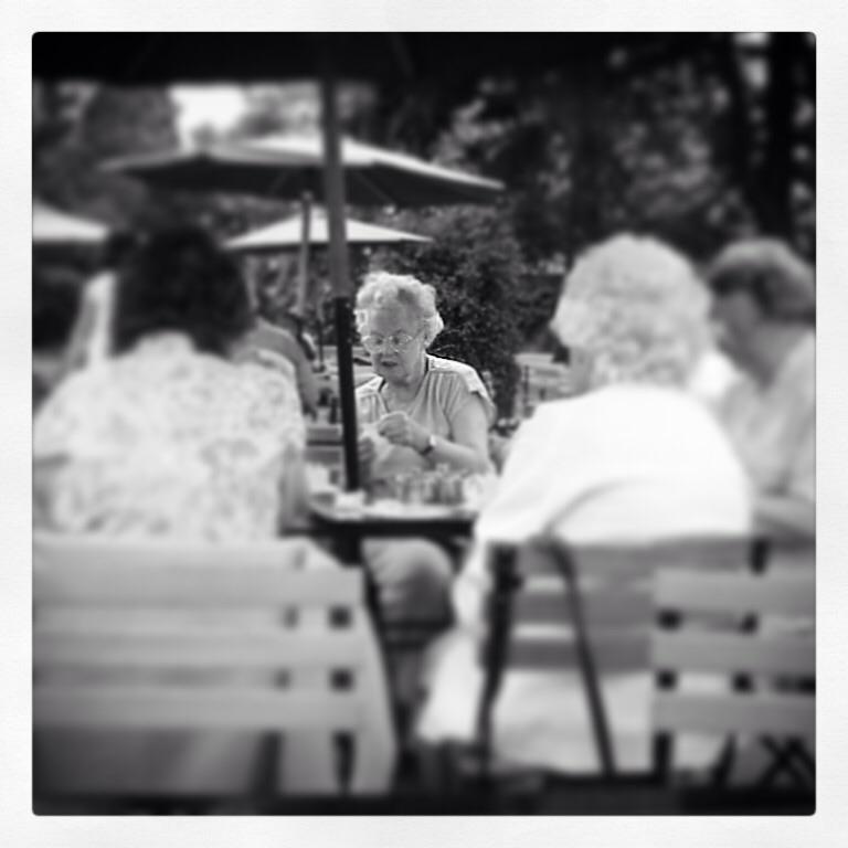 Vecchie amiche a Hampton Court