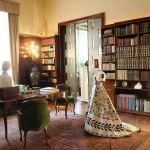 Mostra-MODA-DI-CARTA-a-Villa-Necchi-Opere-di-Isabelle-de-Borchgrave-Abito-da-ballo-di-C.F.-Worth-©-FAI