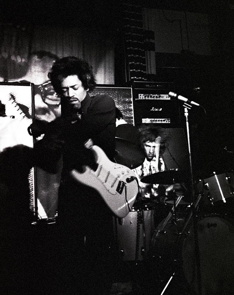 Jimi Hendrix al Piper di Milano, 1968, Renzo Chiesa © Renzo Chiesa